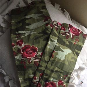 Other - camo leggings